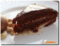 Шоколадный торт с прослойкой из абрикосового варенья