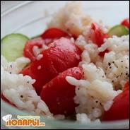 Рисовый салат со свежими овощами