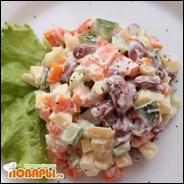 Салат с постным майонезом, фасолью, картофелем и свежим огурцом
