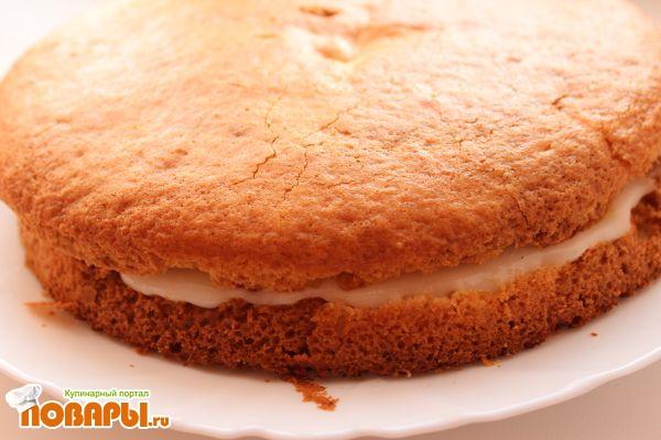 Постный лимонный бисквитный торт с манным кремом и лимонным вареньем