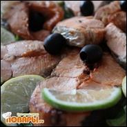 Семга с лимонами, лаймом и оливками (запеченная в духовке в фольге)