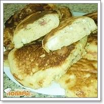 Оладьи с брынзой и колбасой