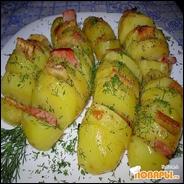 Запеченый картофель с беконом в фольге
