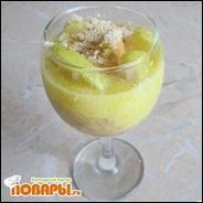 Яблочный десерт из печенья и желткового крема