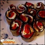 Рулетики из баклажанов с сыром, чесноком и помидорами