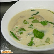Кокосовый суп с грибами и куриной грудкой