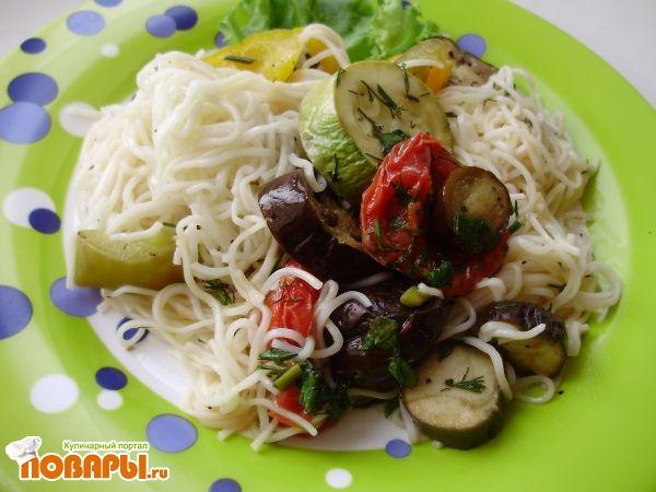 готовое блюдо с запеченными овощами