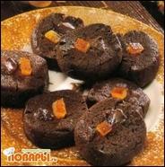 Мягкое песочное печенье с глазком из шоколада и апельсиновыми цукатами