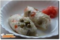 Рисовые рулетики с горошком и морковью