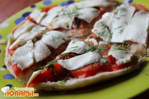 Пицца из тандырной лепешки с редисом