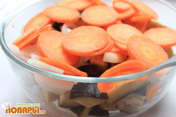 Паста (соломка) с соусом из  запеченных овощей (баклажаны, морковь, лук, томатная паста) в стеклянной посуде