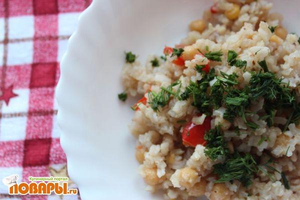 Коричневый рис с нутом и овощами с пулао масала (с масалой для риса)