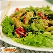 Салат с курицей «Гонконг»