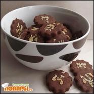 Печенье шоколадное с миндалем