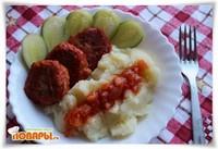 Чечевичные тефтели в томатном соусе