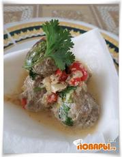 Мясные фрикадельки под кокосовым соусом
