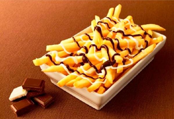 Картофель фри с шоколадным соусом от Макдональдс